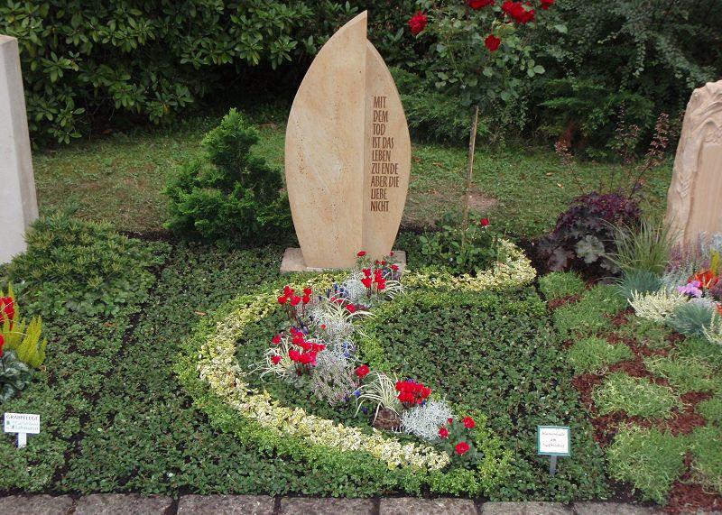 blumenhalle am s dfriedhof heidepflanzen otterwisch dauergrabpflege. Black Bedroom Furniture Sets. Home Design Ideas